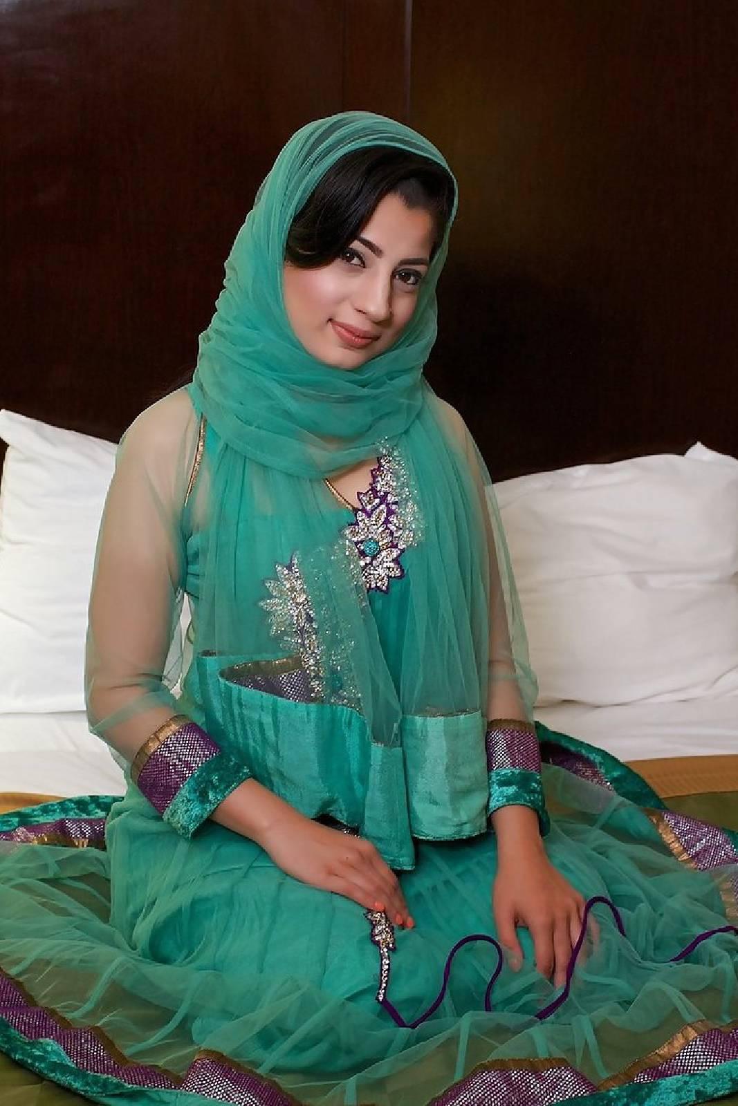 Surbhi Mehta Bangalore escorts girl